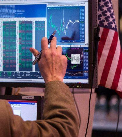 Futuros del Dow Jones perfilan tercer día de pérdidas tras desplome del lunes
