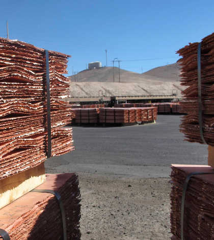 Producción global de cobre registraría superávit en 2014