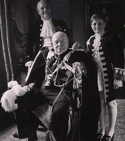 Churchill con su nieto.
