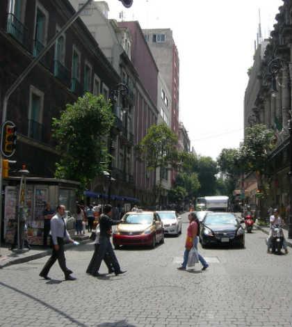 Continúan cierres parciales en calle 16 de Septiembre