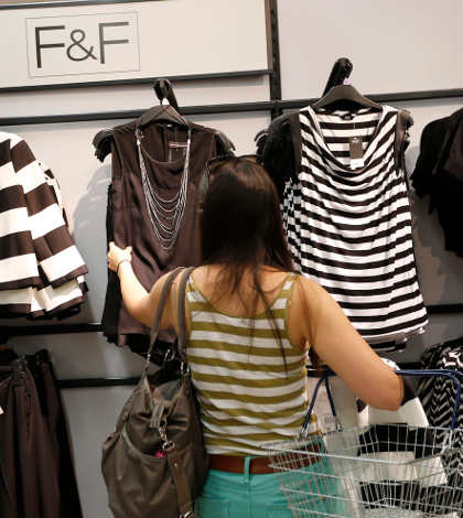 Crecen ventas minoristas en Reino Unido