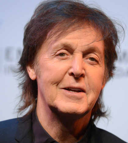 Paul McCartney sorprende con concierto en Times Square