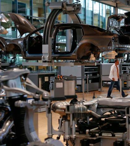 EU presiona a México por aumento de sueldos en el sector automotriz: WSJ
