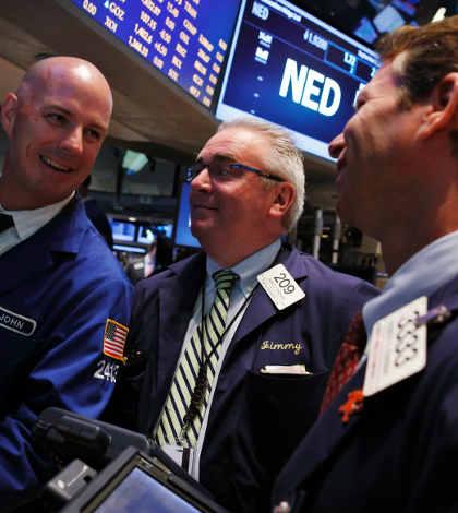 Wall Street y BMV bajan ante posible reducción de estímulo