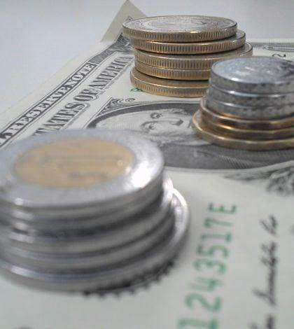 Peso mexicano toca su peor nivel desde 2012