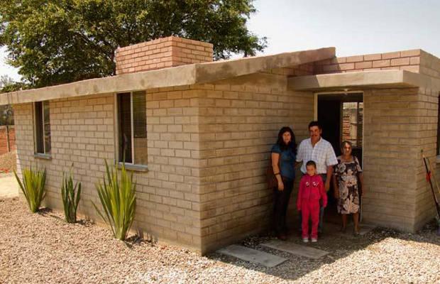 Gobierno dar cr ditos a migrantes en eu para construir for Como se construye una casa