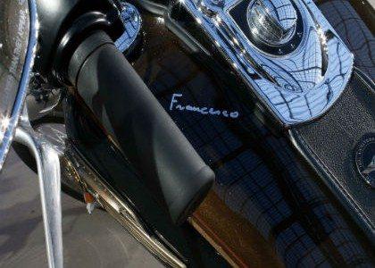 Subastan motocicleta del Papa Francisco en 4.3 mdp