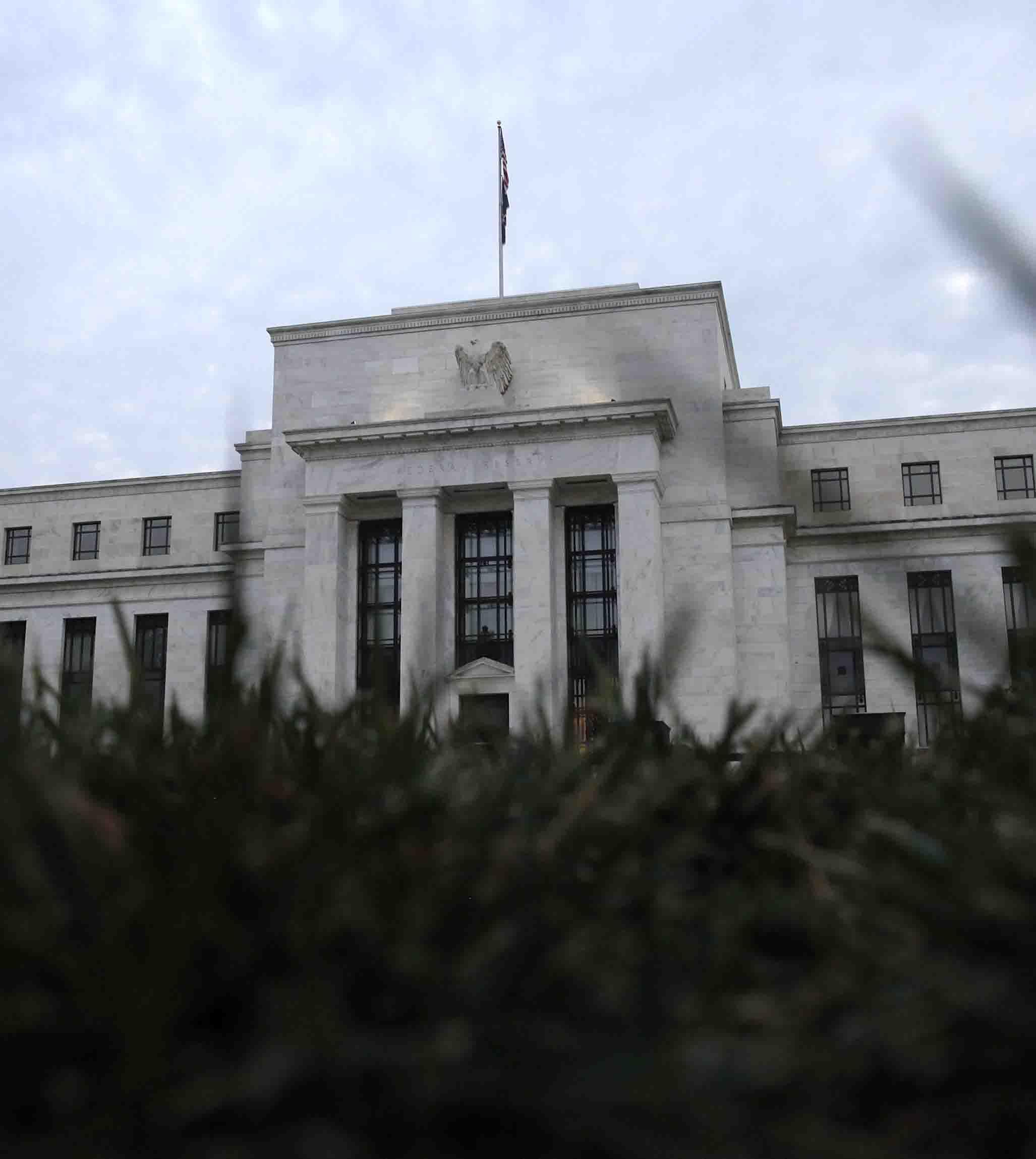 Senado de EU aprueba nominación de Clarida y Bowman para gobernar la Fed