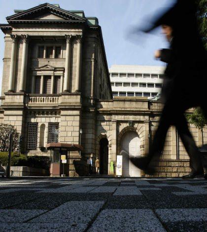 BOJ flexibiliza su política monetaria, pero no lo suficiente