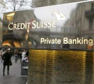 Exdirector de banco suizo se declara culpable de lavar miles de millones de dólares