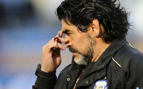 Maradona apoya la educación de los niños a través del futbol