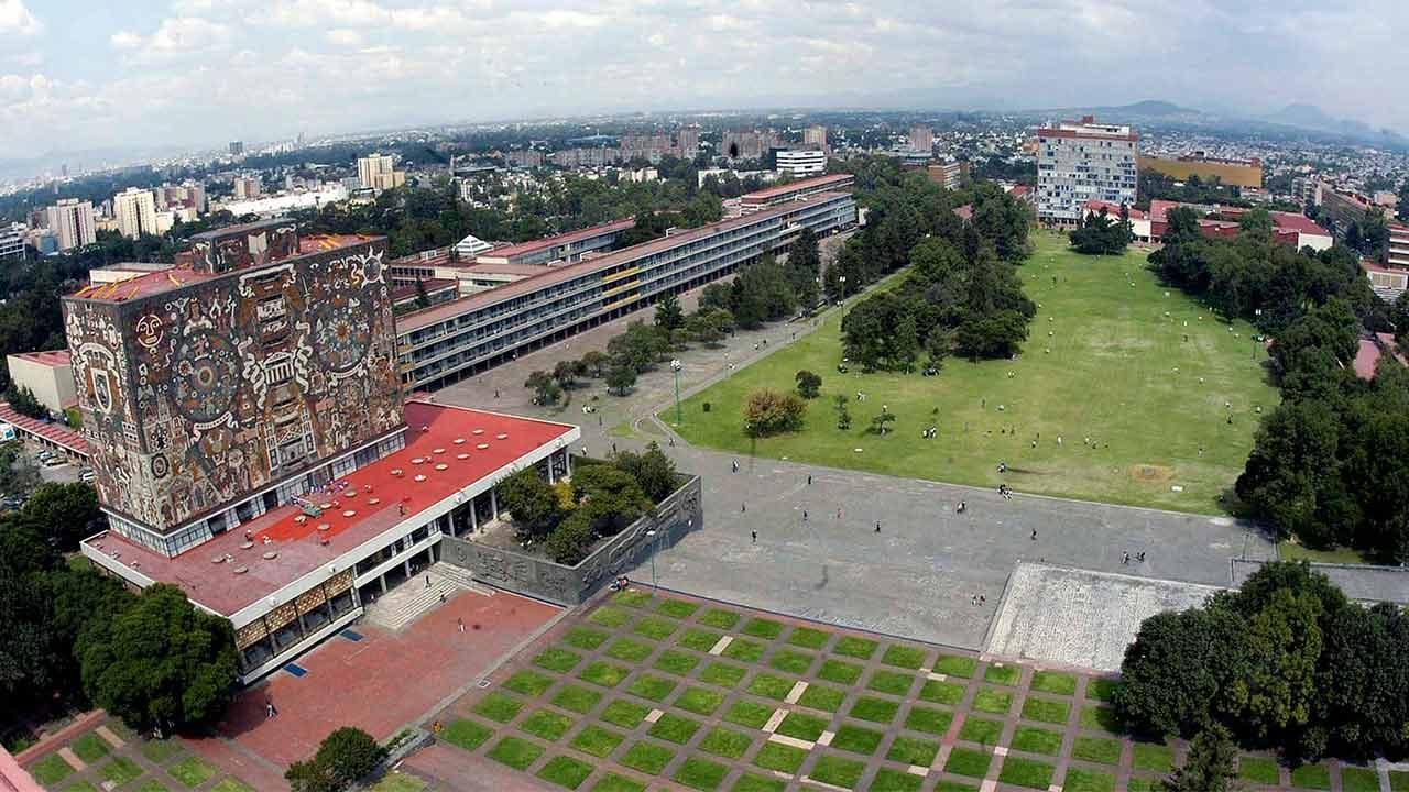 Alumnos de UNAM suspenden actividades por aniversario de Ayotzinapa