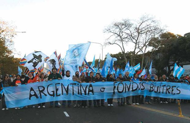 Reforma de pensiones en Argentina desata jornada de protestas