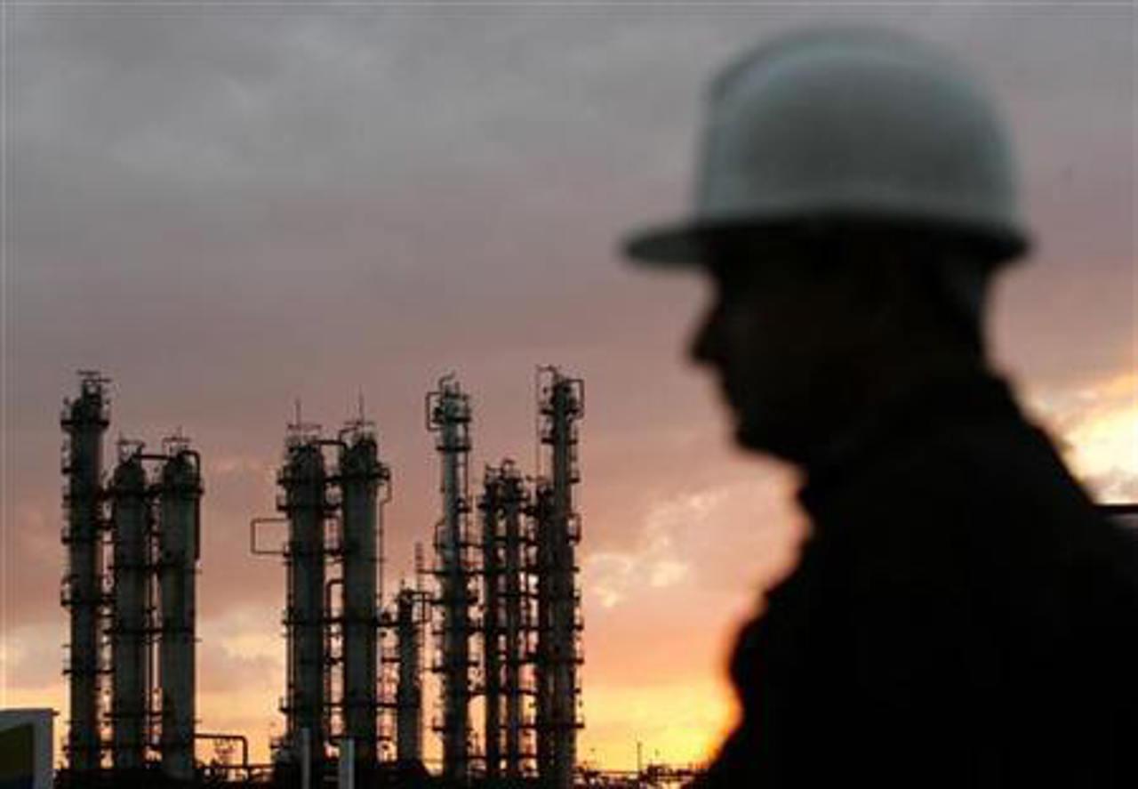 CNH penaliza a Canamex con 1.9 mdd por renunciar a pozo petrolero