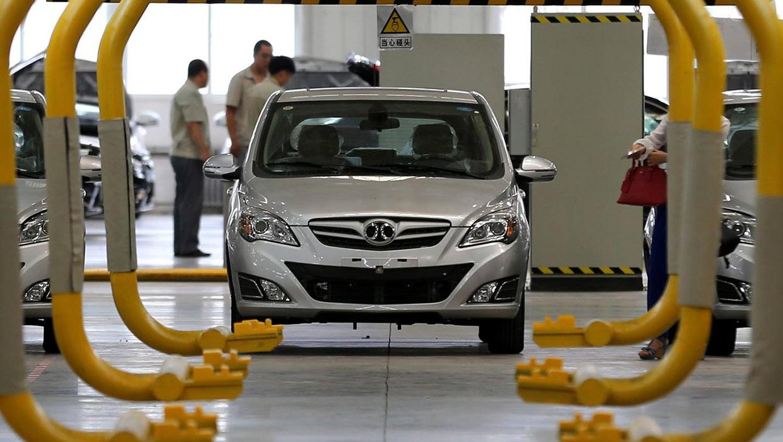"""EU ofrece """"tarifa cero""""a industria automotriz alemana"""