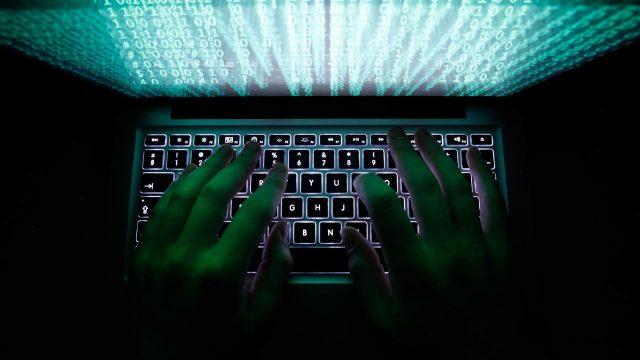 hacker-ataques-cibernéticos