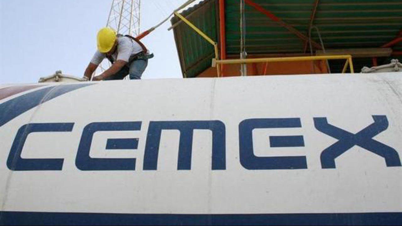 Acciones de Cemex impulsan a la bolsa mexicana en apertura