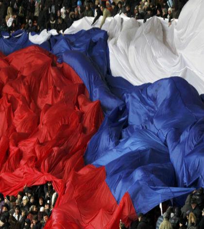 UE aumenta presión a Rusia con sanciones más severas