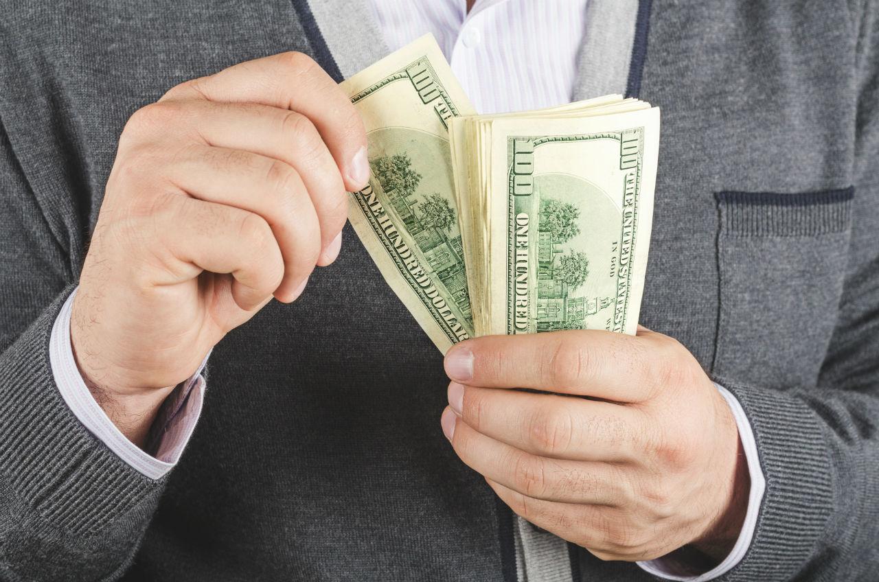 Operaciones ilimitadas con dólares en efectivo