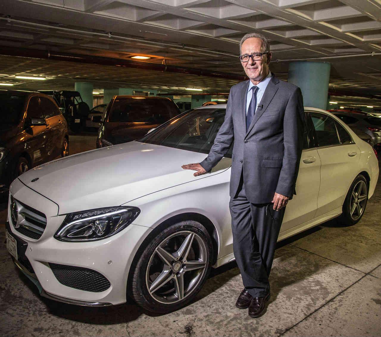 Qu har mercedes benz para vender 15 000 autos en m xico for Mercedes benz 15000
