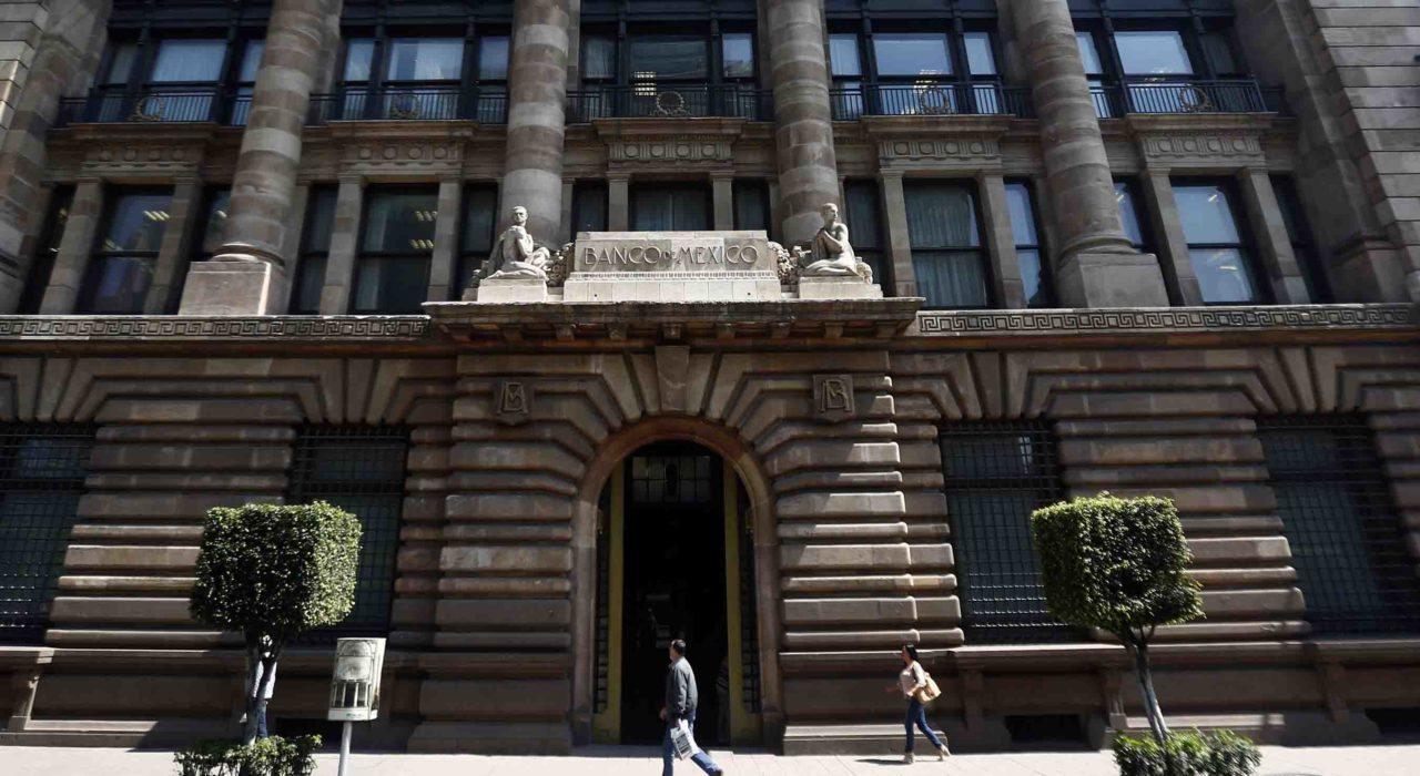 Banxico sube su tasa clave por segunda vez en el año
