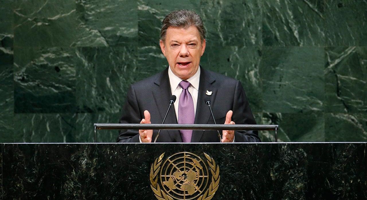 Presidente Santos niega ser socio en compañías offshore