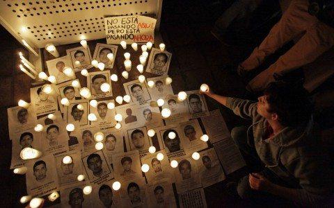 Peña Nieto reitera a la distancia compromiso para resolver caso Ayotzinapa