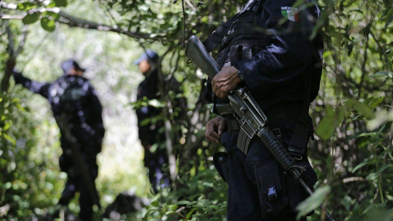 Se han hallado 222 fosas clandestinas en seis estados, revela Encinas