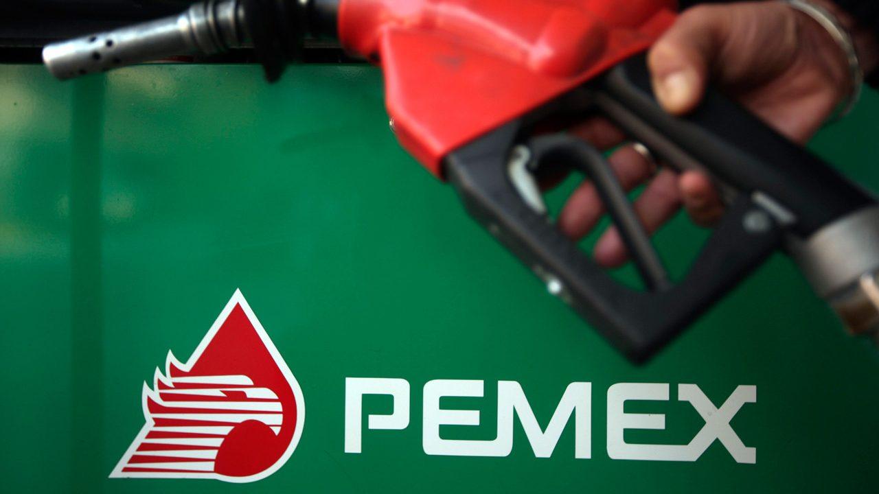 Pemex rescinde contratos a 7 gasolineras por combustible robado