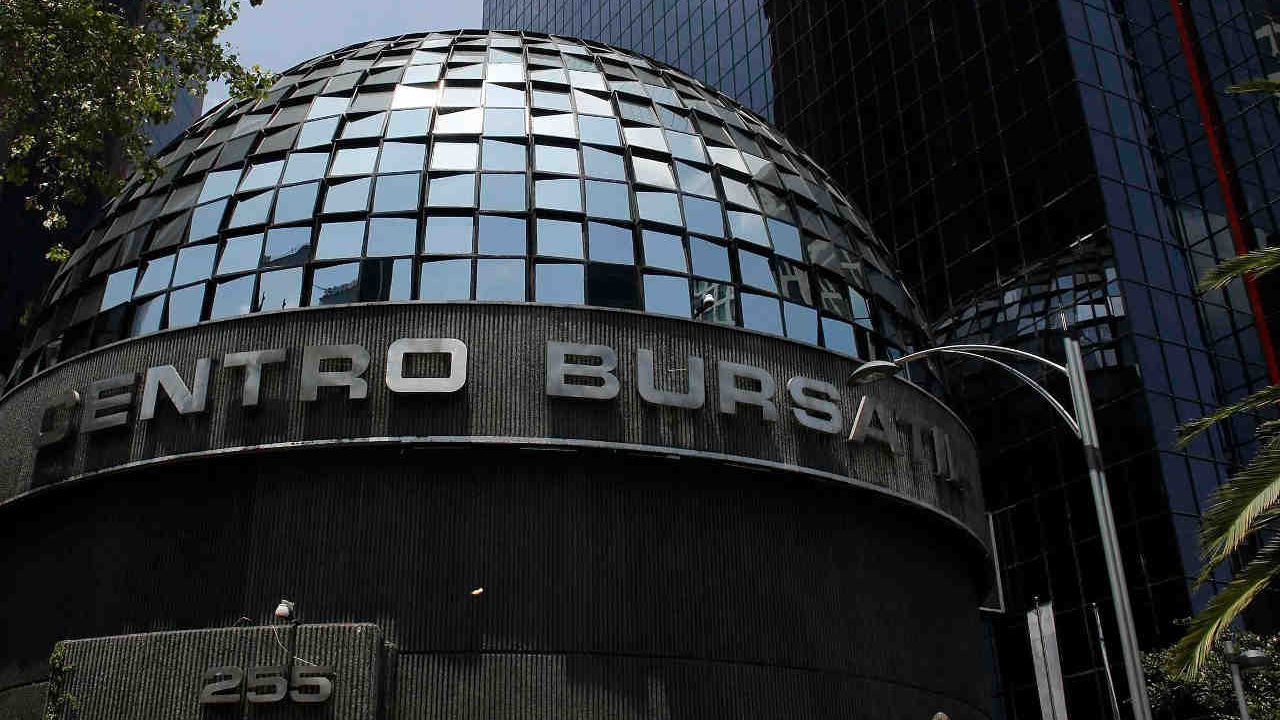 Bolsa mexicana interrumpe racha de seis días de ganancias