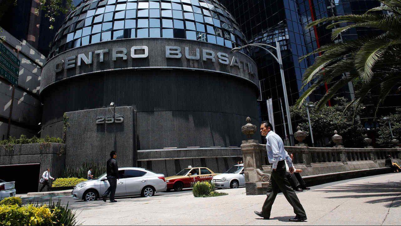 BMV cae en línea con Wall Street; el peso gana ante el dólar