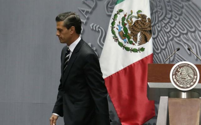 El Presidente de México renuncia