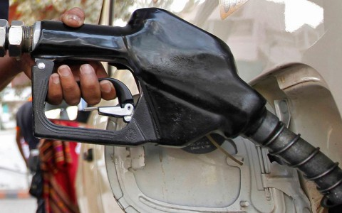 Tres razones por las que la gasolina no bajará de 16 pesos en 2017