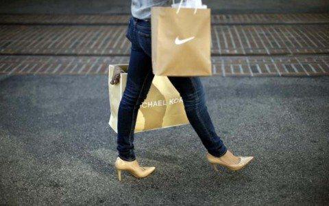 Consumo privado cae en agosto y rompe racha de tres meses