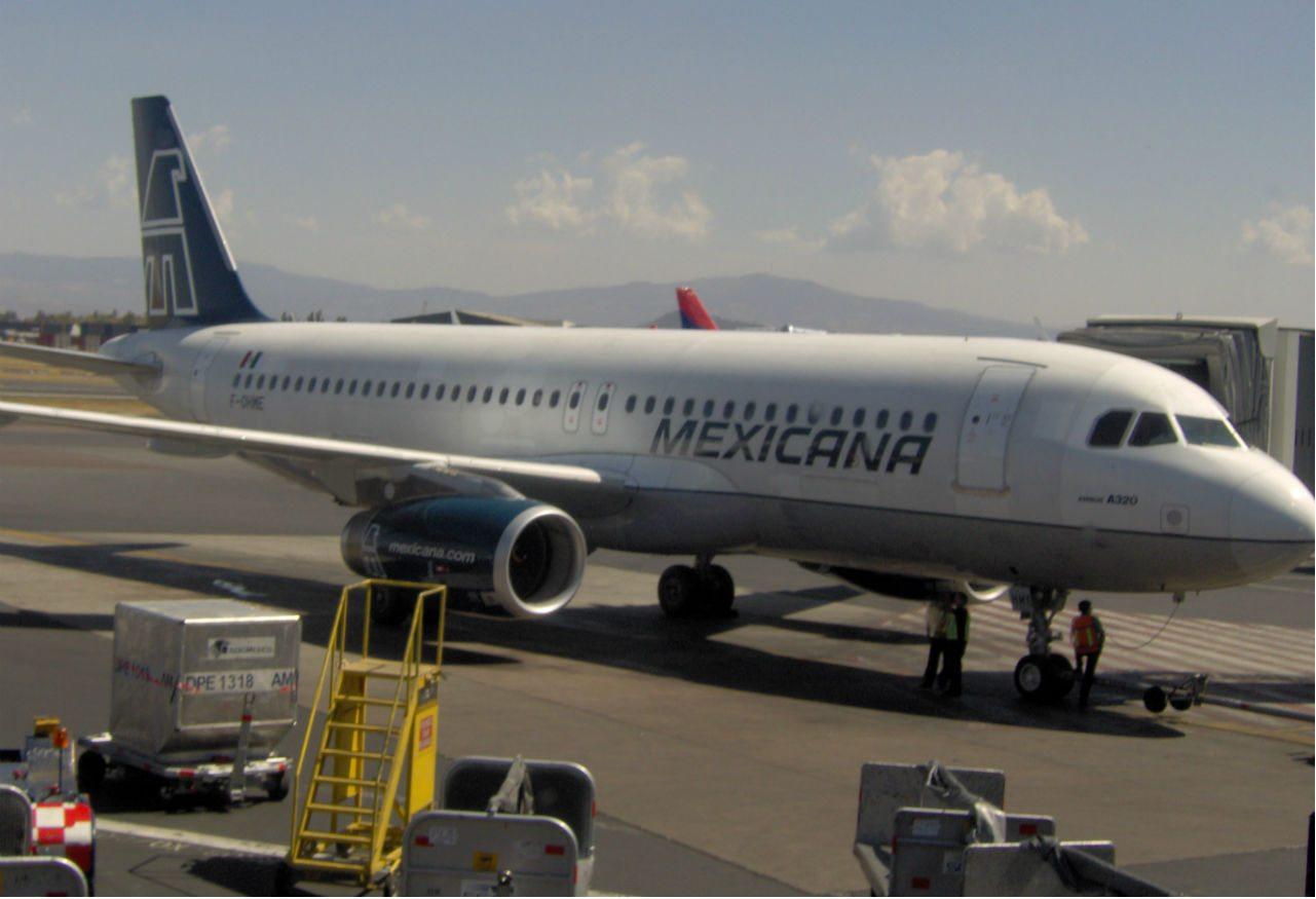 La comunicación en los accidentes aéreos / I
