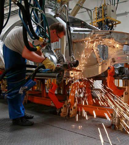 Actividad manufacturera de zona euro se debilita