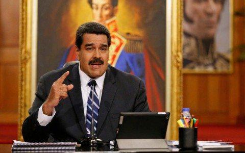 """Maduro exige a EU una disculpa por """"agresión"""" a su vicepresidente"""