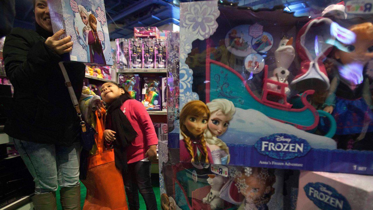 muñecas juguetes