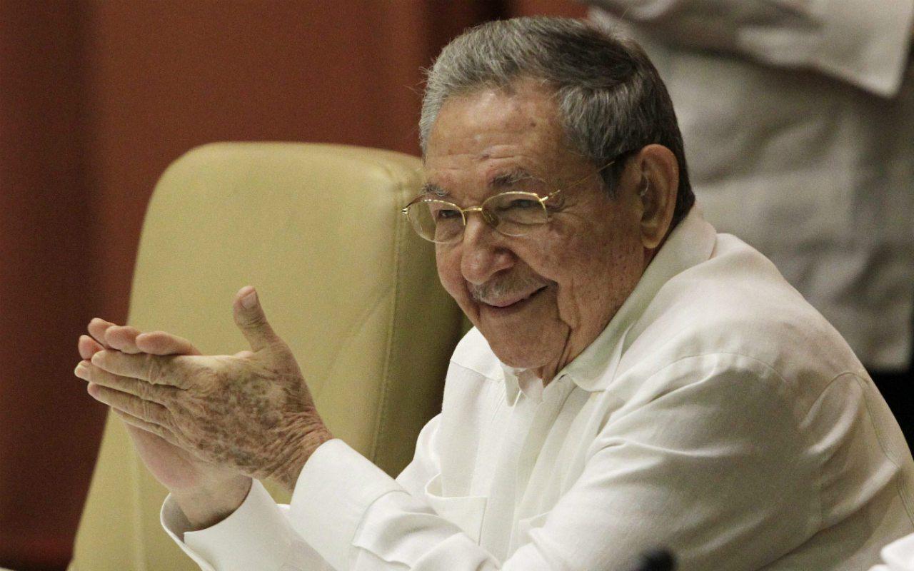 Twitter bloquea cuentas de Raúl Castro