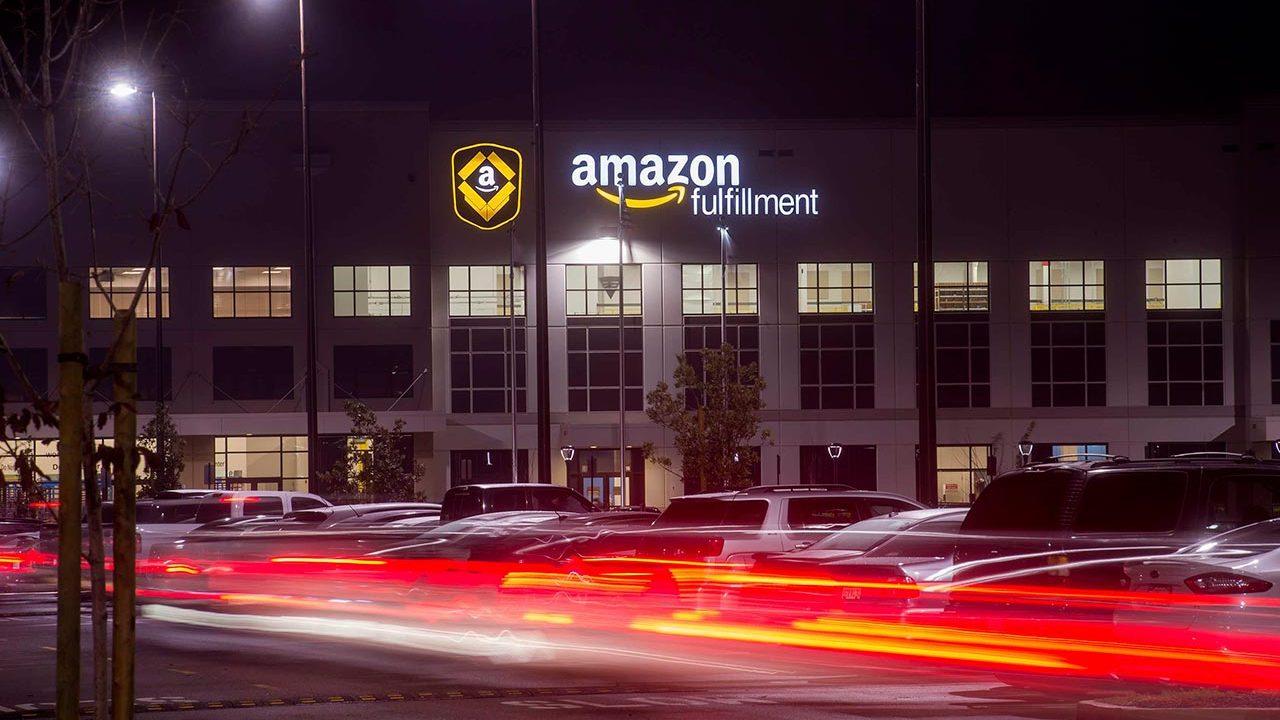 UE ordena a Amazon pagar 295 mdd en impuestos a Luxemburgo