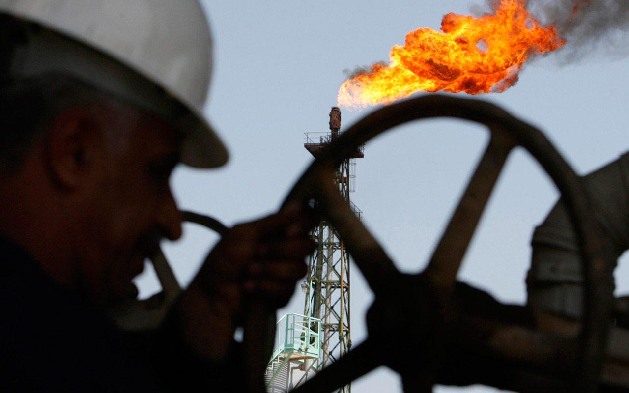 CRE propone uso de energías verdes en plataformas petroleras
