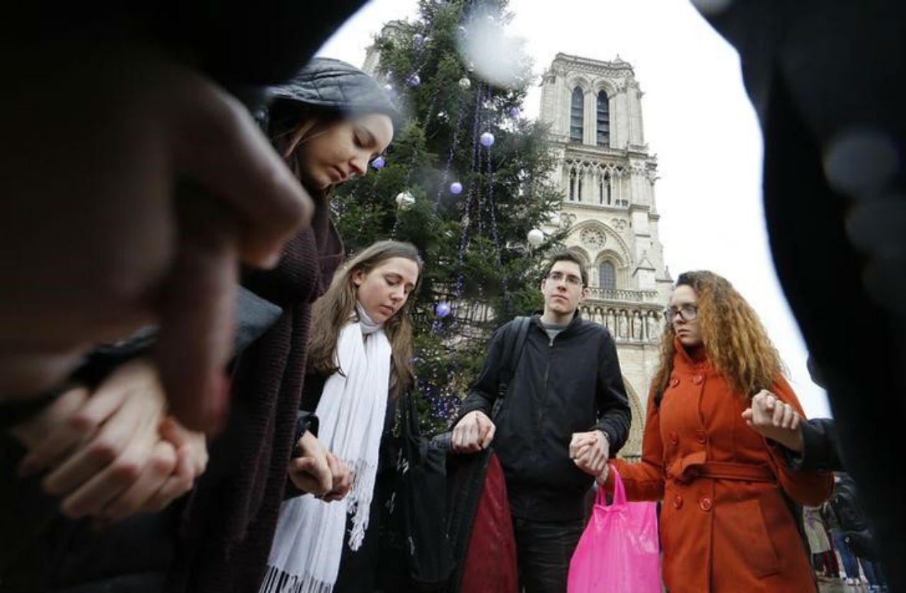 Así fue la primera misa en Notre-Dame después de incendio