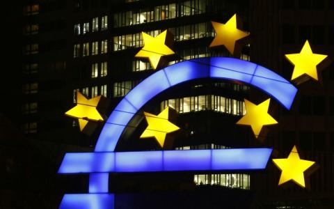 Economía de la UE crece 0.4% en segundo trimestre del año