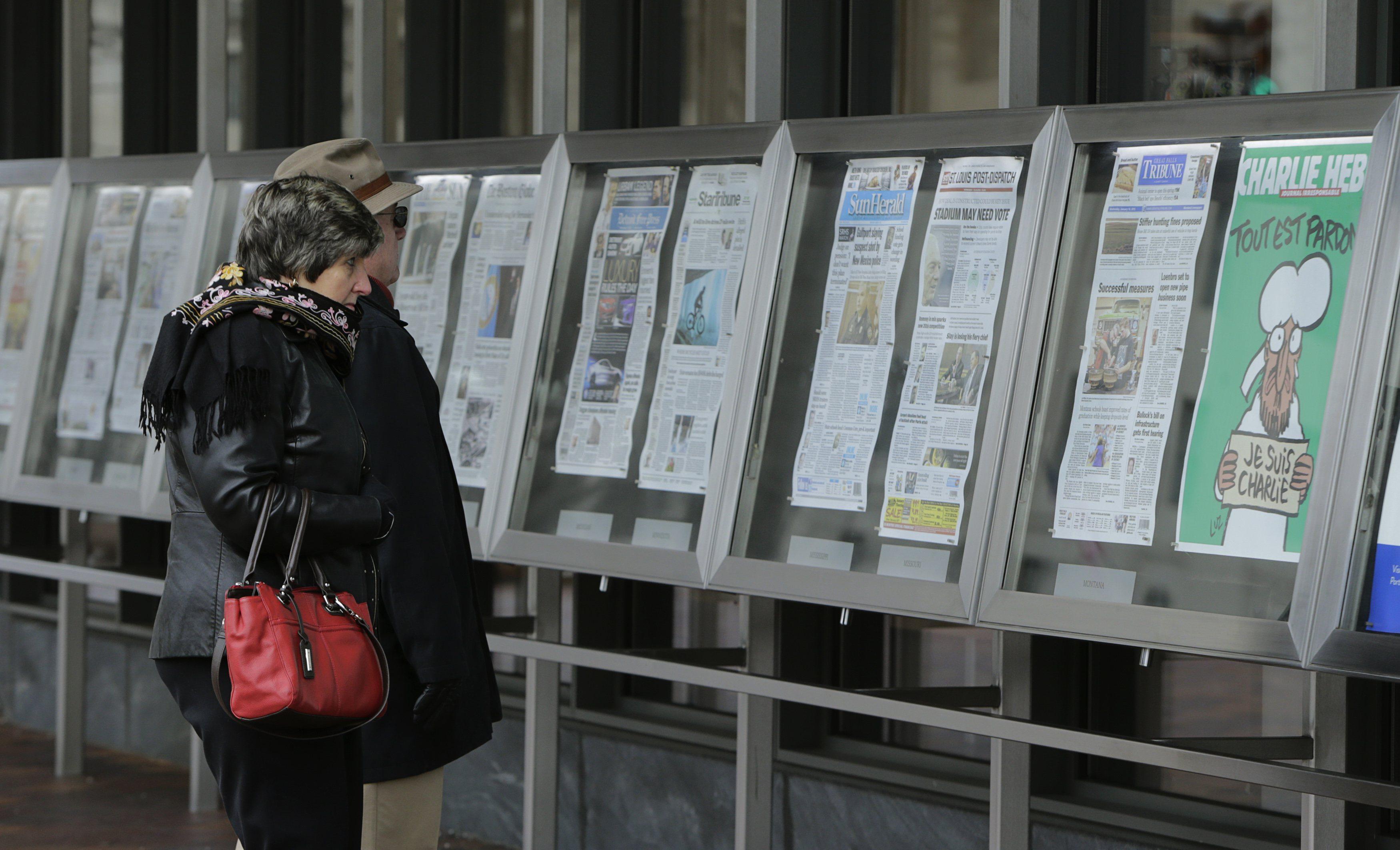 Primera edición de Charlie Hebdo tras ataque se agota en minutos
