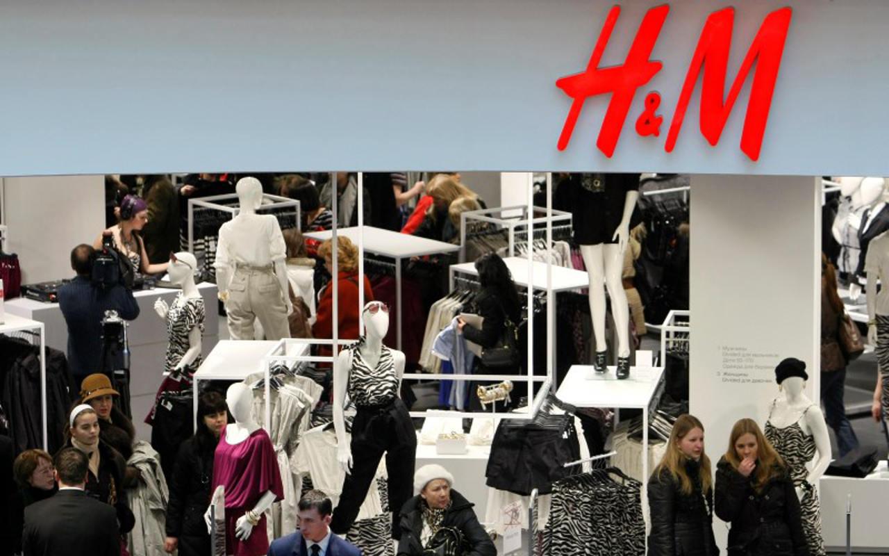 H&M prueba nuevo formato de tienda con café, yoga y cócteles