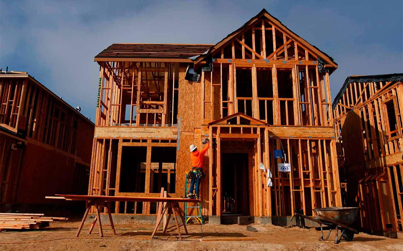 Mercado inmobiliario en EU registra su mayor alza desde 2001