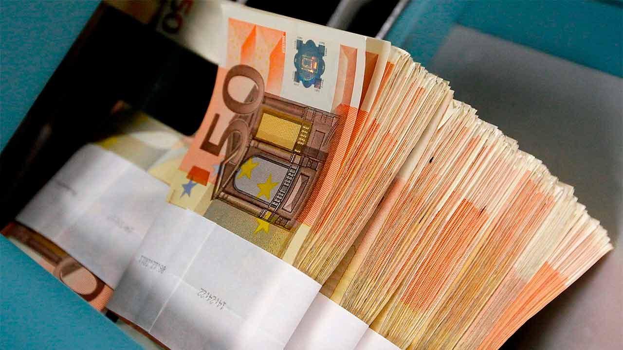 BCE cerrará programa de compras de bonos a finales de año