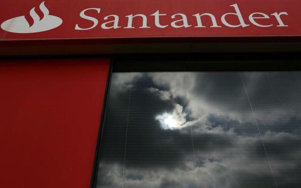 Santander se pronuncia sobre parentesco de cajera con asaltantes en Boca del Río