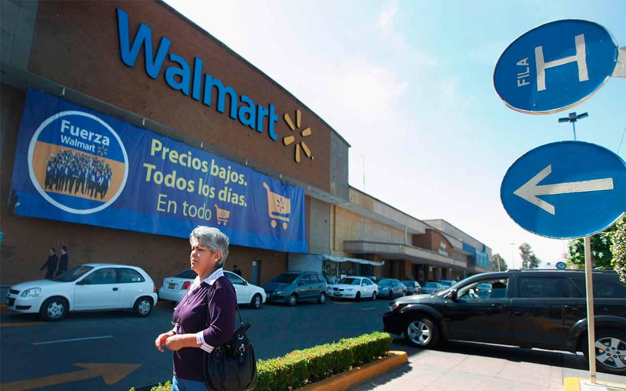 Adultos mayores regresarán como empacadores en Walmart