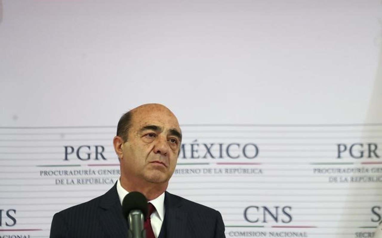 Murillo Karam comparecerá por Ayotzinapa; no descartan citar a Peña Nieto